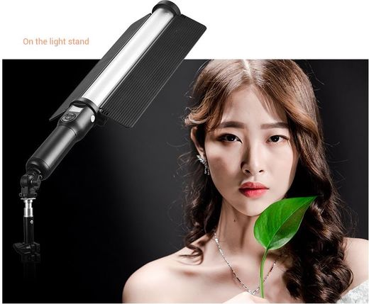 Godox LC500 Led Light Stick -valomiekka
